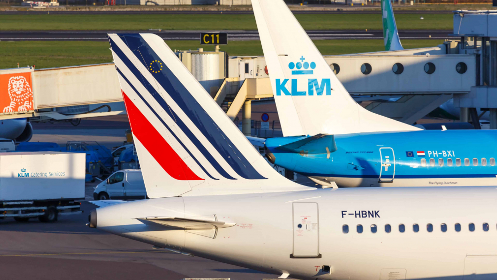 Air France-KLM has reported a €1.2 billion loss for the first quarter of 2021 due to the stricter lockdown in France until at least early May