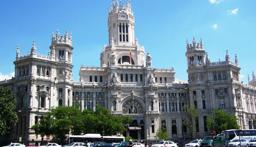 Spain Aims To Welcome Back Worldwide Travelers by June